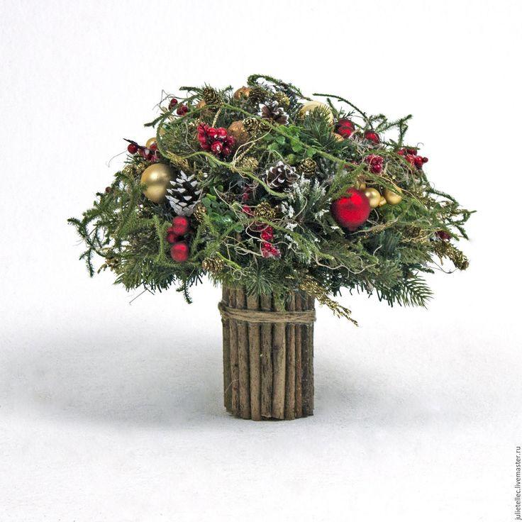 """Купить Зимний букет """"Грильяж"""" - зеленый, красный, золотой, букет, зимний букет, Новый Год"""
