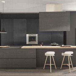 Cuisine en céramique extra-fine anthracite Kerlite et armoires métal BLADE Composition 8 - Porto Venere