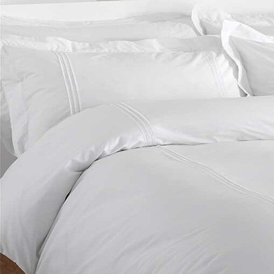 i want a fluffy white bed iu0027m talking big poofy pillows an