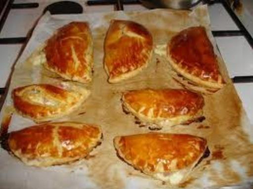 Chausson au jambon : Recette de Chausson au jambon - Marmiton