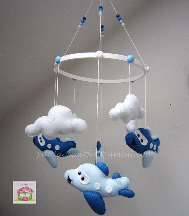 Móbile tema aviões, cor azul