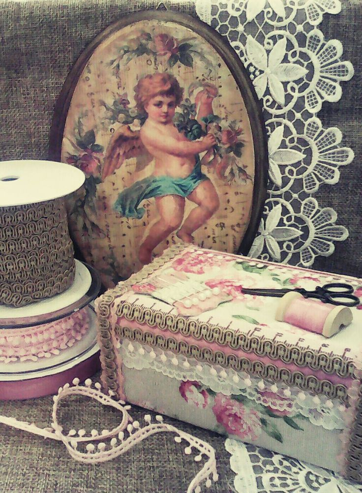 Vintage sewing big matchbox