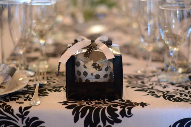 Black and White favor - packaged cupcakes « Contour Events and Design