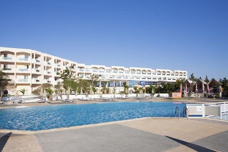Discount 7nt 4* All-Inclusive Sea-View Kos Break & Flights for just £299.00 Enjoy a seven-night all-inclusive break in gorgeous Kos in the Mediterranean.  Includes return flights from London Gatwick, Stansted, Glasgow, or Manchester.  Stay in cosy twin or double sea-view room at the Sovereign Beach Hotel, complete with an en suite bathroom, TV and balcony.  Enjoy an all inclusive stay with...