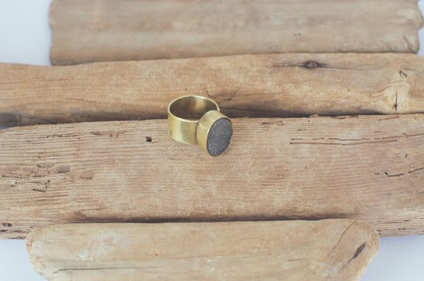 GREY RAW STONE RING https://www.matteroffakt.com/collections/mirage