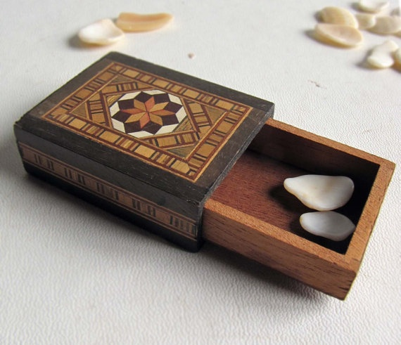 Inlaid wooden match box Small box Antique Matchbox by lacunawork, €25.00