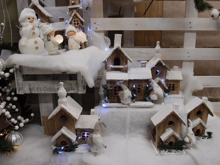 Casine in legno innevate!  tutti gli accessori per il tuo allestimento Marry Christmas