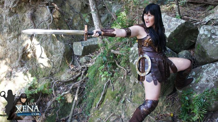 Xena Warrior Princess Cosplay We miss the Xena TV show, but the lovely Kelly helps bring it back to life with her awesome Xena cosplay! She looks so similar to Lucy Lawless that at times you almost think you're looking at stills from the show.