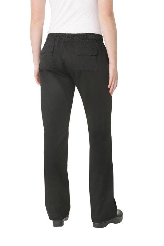 Pantalón Chef Mujer Negro: Nuestros Pantalones Cargo Chef para mujer tienen estilo y funcionalidad. Estos pantalones para mujer son la última adición a nuestra colección de los pantalones.También tienen cintura elástica con cordón, dos bolsillos delanteros y dos bolsillos traseros con solapa de velcro. Nuestros pantalones de chef se hacen con tela 65/35 Polyester/ algodón.Tallaje acáCod. WBLK-SPS