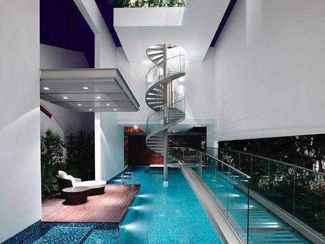 🏠 Jln Angin Laut 📐 Hyla Architects 📍 Singapore 🇸🇬 📸 Derek Swalwell 🏗️ 🔲 582sqm ⠀ ⠀ …….......................................................................