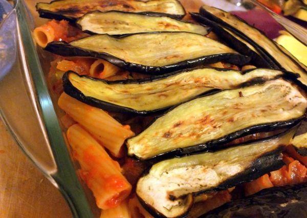 auberginen zubereiten gebacken nudeln