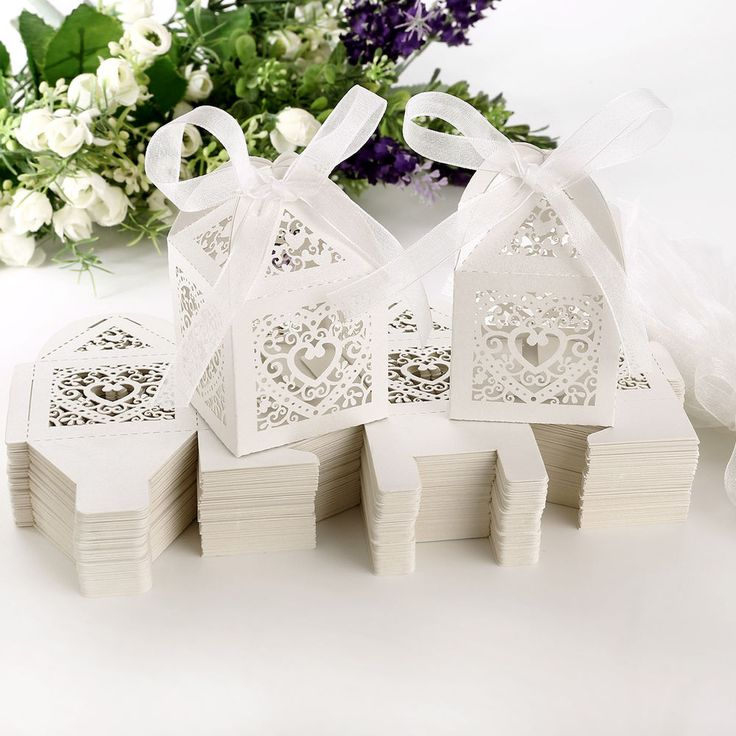 50PCS Love Heart Laser Cut Candy Gift Boxes With Ribbon Party Wedding Favor Box