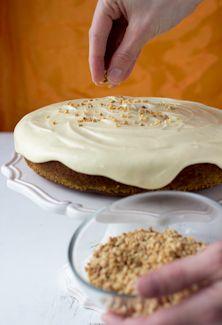 On my opinion the best carrot cake recipie so far: http://www.kinuskikissa.fi/kinuskipupun-porkkanakakku?hakusivu=1