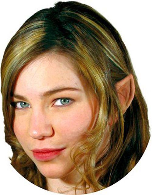 Protheses oreilles elfe des bois en latex avec colle, special make-up effetcs > STEAMPUNK STORY - IRON0025   Shop : www.steampunk-story.com