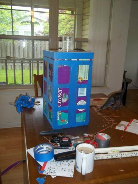 A surprise Doctor Who-themed card box! | Offbeat Bride