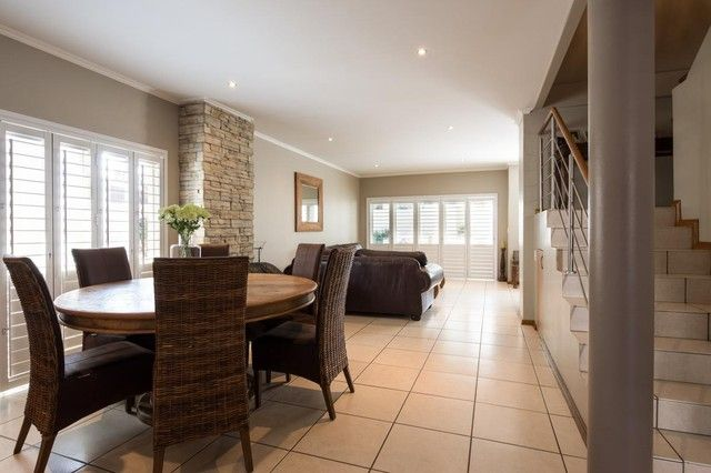 3 Bedroom Townhouse For Sale in Bryanston | Meridian Realty