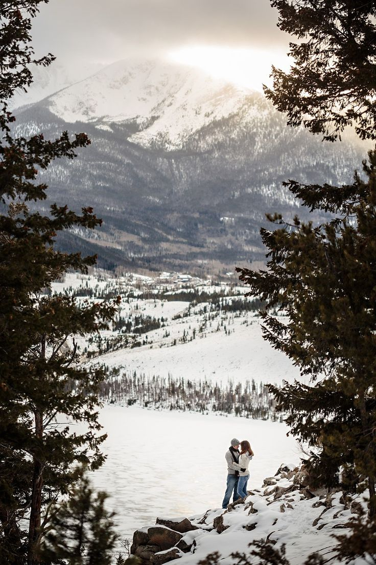 Winter Engagement Session in Silverthorne Jason+Gina Wedding Photographers http://www.jason-gina.com