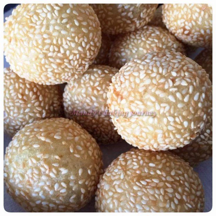 Mandy's baking journey: Fried sesame balls/Kuih bom