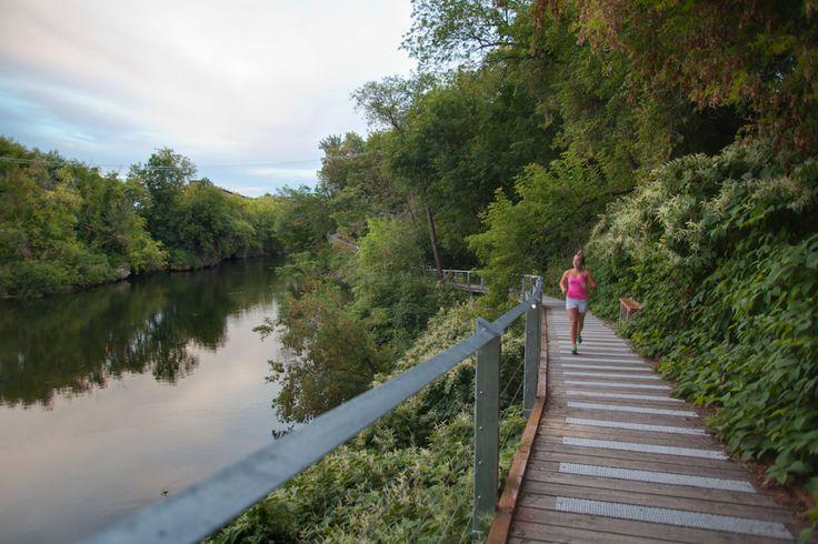 Le sentier illuminé de la gorge de la rivière Magog à Sherbrooke : allez-y, vous serez charmés !