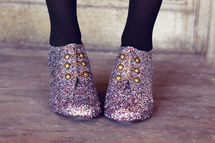 make your own glitter shoes? uh. yes.