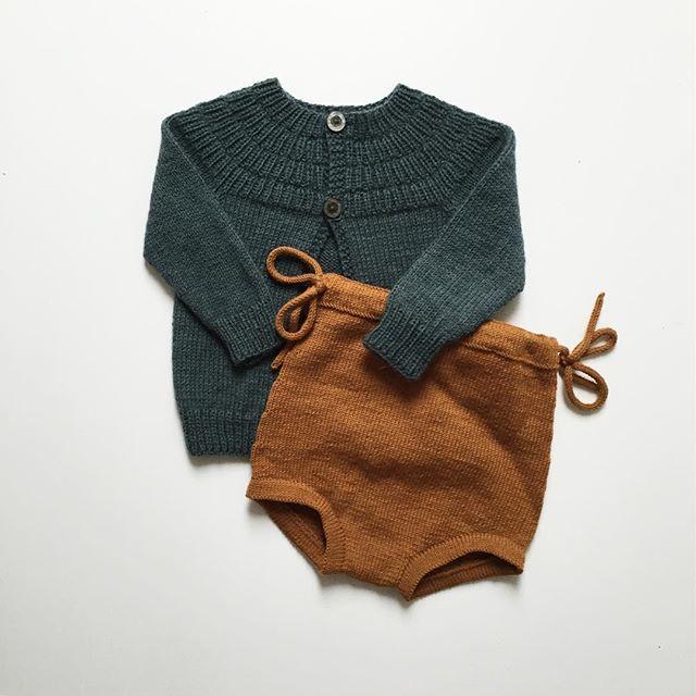 layette tricot laine barboteuse et petit gilet bébé naissance / baby birth knit coton