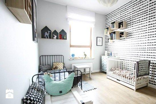 U ASI I SZYMONA - Średni pokój dziecka dla chłopca dla dziewczynki dla rodzeństwa dla niemowlaka dla malucha, styl skandynawski - zdjęcie od BOGACZEWICZ monochrome