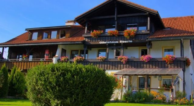 Gästehaus Eberle - #Apartments - $106 - #Hotels #Germany #Oberstaufen http://www.justigo.ca/hotels/germany/oberstaufen/gastehaus-eberle-gastgeberservice_201506.html