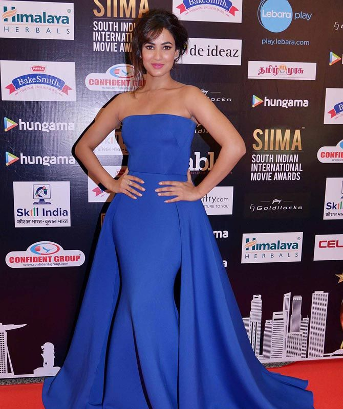 Sonal Chauhan at SIIMA 2016 in Singapore. #Bollywood #Fashion #Style #Beauty #Hot #Sexy