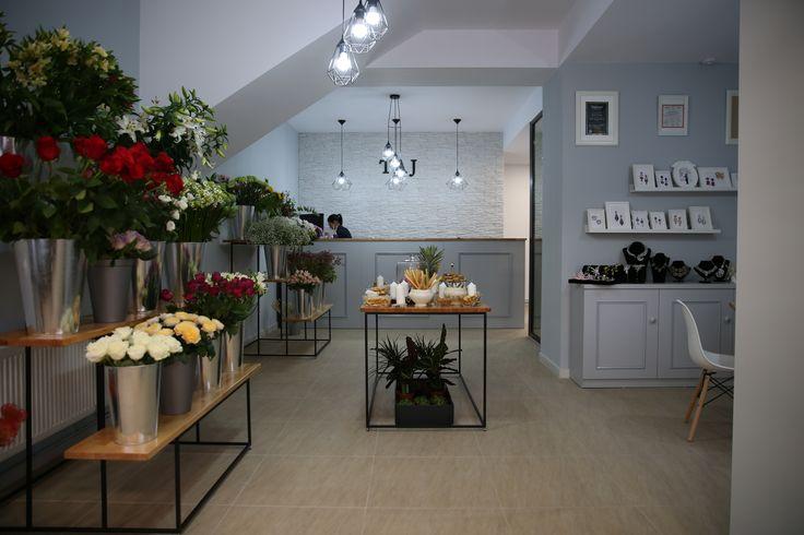 TAJ -  Atelier de flori  Pitesti