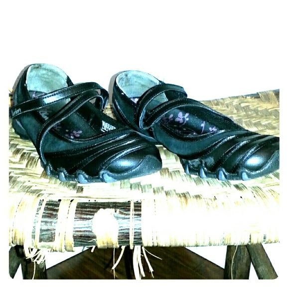 Skechers Mary Janes black size 6.5 Casual enough for anything but can be dressed up; black, size 6.5 Skechers Shoes Flats & Loafers