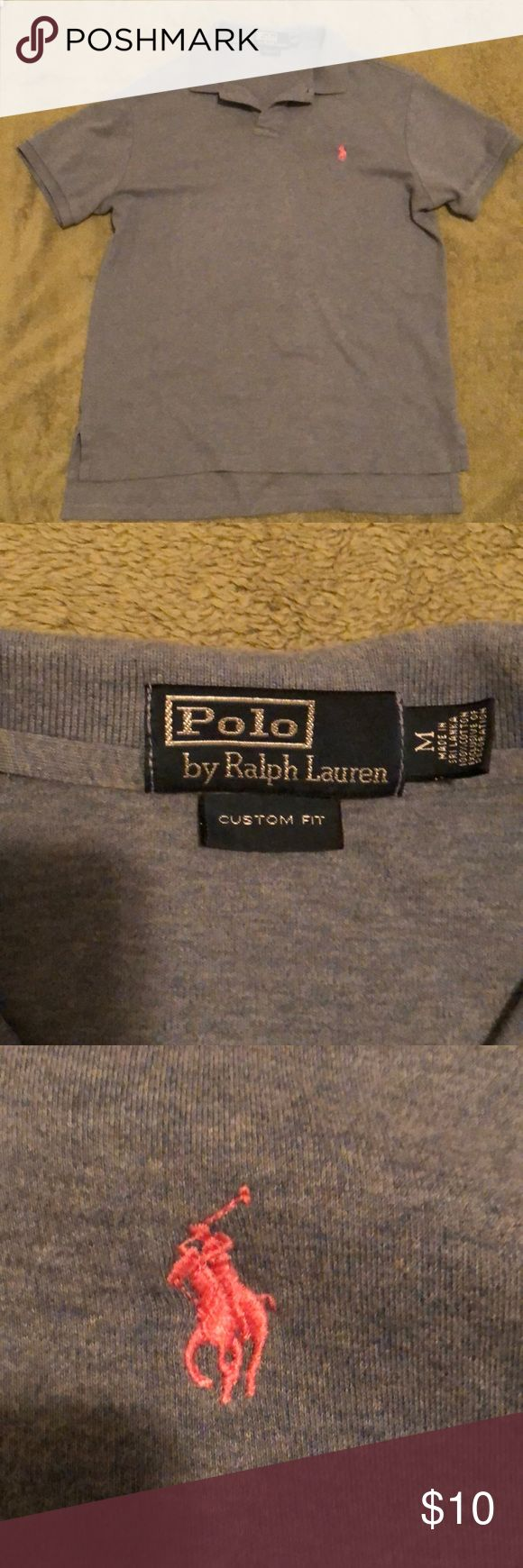 Polo Ralph Lauren Custom Slim fit Polo Shirt Fits true to size Custom Slim Fit: offers a trim, modern silhouette Ribbed polo collar, two-button placket Short sleeves with ribbed armbands, designed to hug the shoulder and bicep Tennis tail: uneven hem that helps to keep the shirt in place when tucked in Polo by Ralph Lauren Shirts Polos