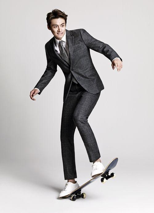 [Z화보] 오상진, 슈트 스타일+스케이트 보드 '믹스앤매치' - 제니스글로벌뉴스