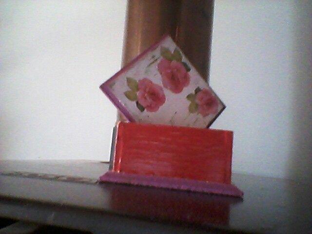 Una caja que aplique  la tecnica decoupage y con el craquelado