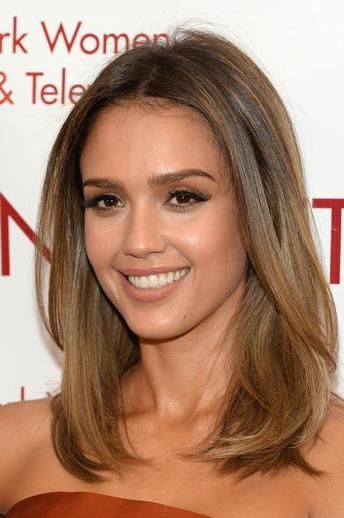Jessica alba hair style. Yep, Like the brunette color but the slightest bit of blonde at the bottom as well :-)