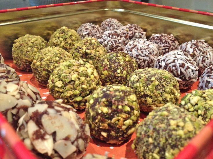 Raw Vegan Cocoa Date Truffle