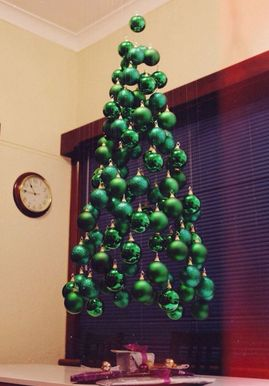 pohon natal, contoh pohon natal, gambar pohon natal, pernak-pernik pohon natal, sinterklas, hadiah natal, pohon natal unik