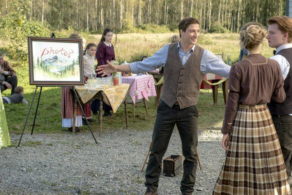 """In """"The Heart of the Community,"""" this week's episode of When Calls the Heart, the town is gearing up for the railroad. With the promise of work, new families flock to Hope Valley. As Abigail finalizes a deal with Ray Wyatt, a notorious gang is at large and may be heading toward town. Jack and [...]"""