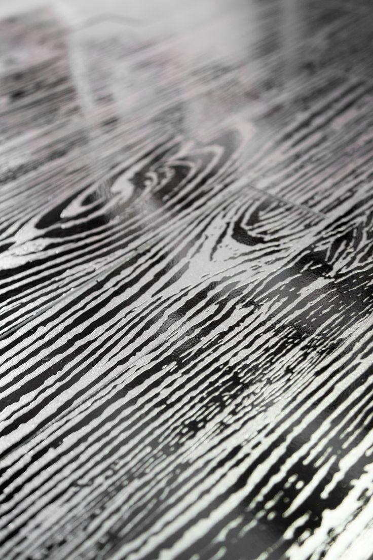 uonmet nero - metallic, beautiful, elegant