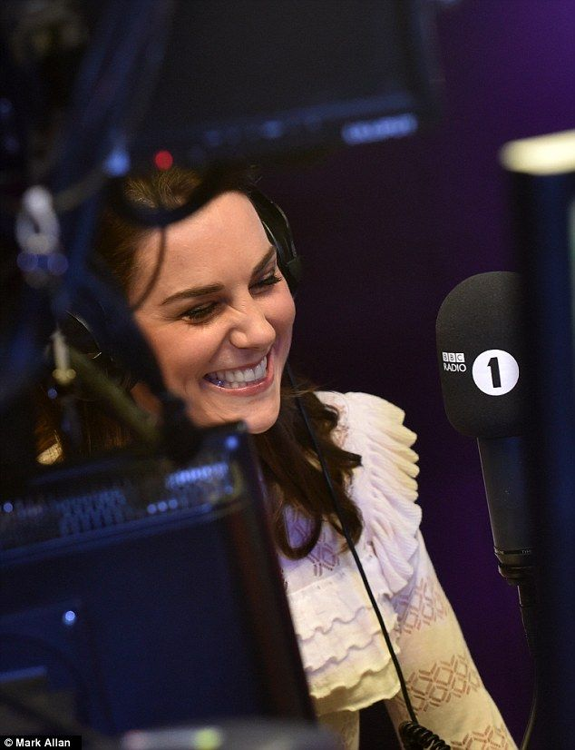 William and Kate dropped in on the Scott Mills show this afternoon to surprise DJ Adele Roberts who is running the London Marathon on Sunday for their Heads Together Campaign.