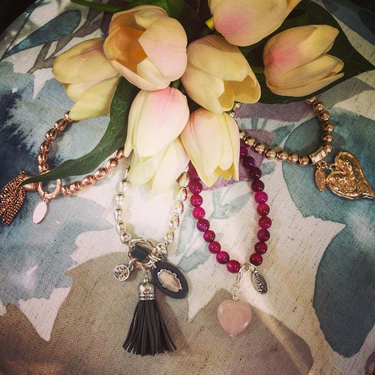 #theminerscouch #jewellery #lillyco #silver #gold #beads #bracelets #charms #shopping #moonta