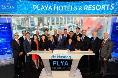 Playa Hotels & Resorts toca la campana del cierre de sesiones en el NASDAQ   La celebración marca un hito más en la historia de la compañía.  NEW YORK Abril de 2017 /PRNewswire/ - El pasado Martes 4 de Abril la mesa directiva de Playa Hotels & Resorts junto con su staff ejecutivo y algunos huéspedes VIP celebraron en la sede del NASDAQ cuando Bruce Wardinski Presidente y CEO de Playa Hotels & Resorts (NASDAQ:PLYA) tocó la campana del cierre de sesiones. El evento que marcó el ingreso oficial…