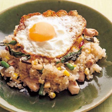 ガッパオ風玄米チャーハン | 瀬戸口しおりさんのチャーハンの料理レシピ | プロの簡単料理レシピはレタスクラブネット