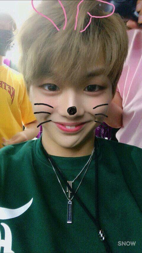 ㅋㅋㅋ Çok tatlı ^^ -YoungHee~   #wannaone #kangdaniel #cute