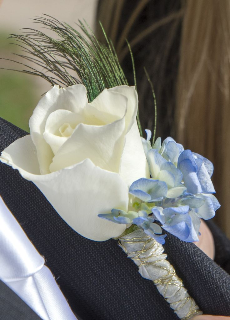 White rose with blue hydrangea wedding flower boutonniere, groom boutonniere, groom flowers, add pic source on comment and we will update it. www.myfloweraffair.com can create this beautiful wedding flower look.