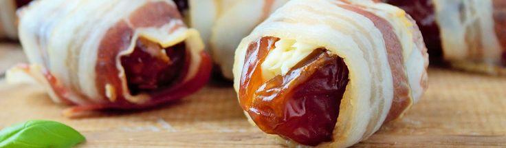Gevulde dadels met MonChou en spek, gebakken in de oven /Stuffed dates with cream cheese and Bacon, baked in the oven