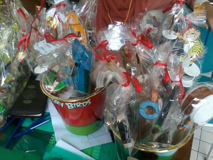 Wieraning Shop gifts for the contestant of Pesantren Ramadhan held by Masjid Universitas Indonesia on July 28th 2013