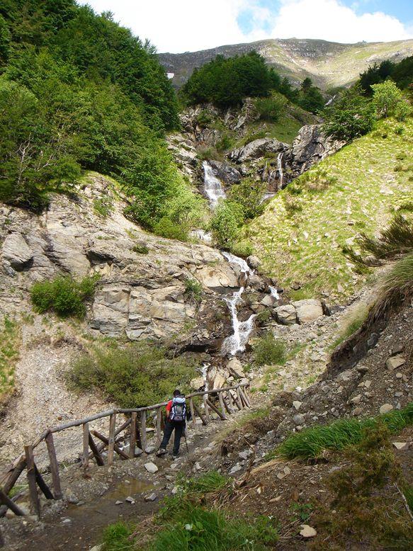 Escursionismo a 360°: Libro Aperto (da Canevare) sentiero Cai 433 , Modena