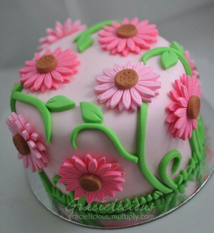 Pink daisies birthday cake