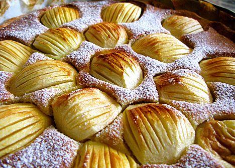 Appels in Bretoense feestkledij - recept smaakmakers Anouck & Joris - http://www.detafelvantine.be/bericht/zoet-appels-bretoense-feestkledij