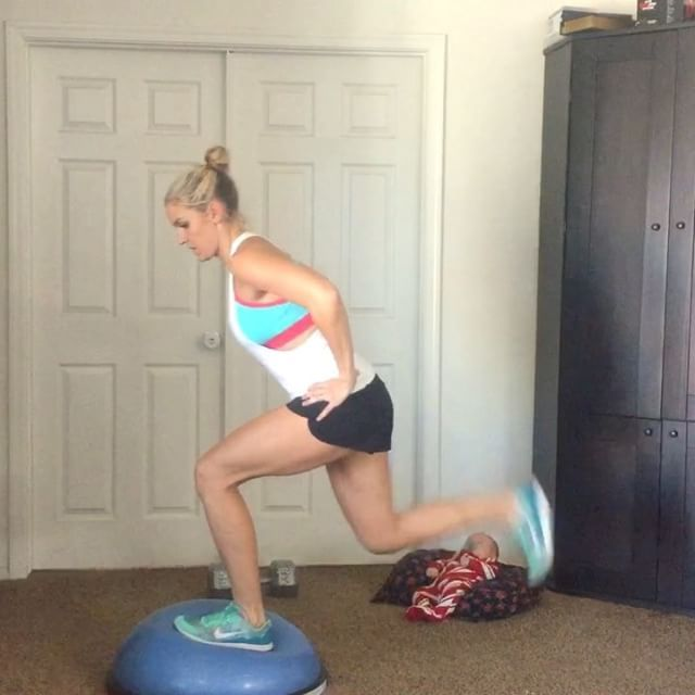 Bosu Legs: This is a killer workout that will make your legs burn and your heart pump 😍. I LOVE bosu workouts because they add balancing as an element. Anytime you have to balance you will use more muscles and burn more calories.  I went to a class on effective Interval training styles a little while ago & the teacher (who was a professor in exercise science) said it actually burns 15 % more calories ! It's the same for bilateral movements (one arm or leg as a time) because your center of…